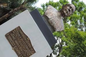 Monumentos da Praça Farroupilha Restaurados