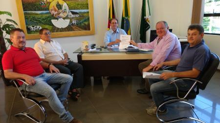 Heinze confirma emenda de R$ 100 mil para Augusto Pestana