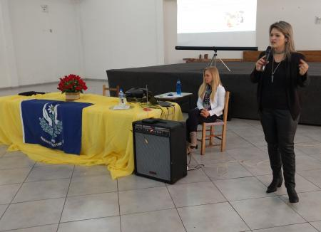 APAE promove palestra sobre neurodesenvolvimento