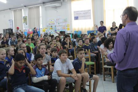 Feira do Livro reúne mais de 600 alunos