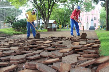 Iniciada obra de reforma da Praça Farroupilha