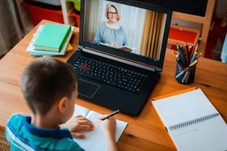 Professores da Rede Municipal realizam formação online sobre plataformas digitais