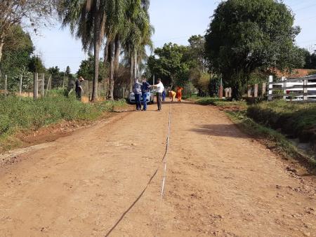 Empresa realiza medição para asfaltamento em Ponte Branca